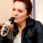 Participation au Colloque introductif de l'Open de tennis Gaz de France-Suez : «Médiatisation du sport féminin», Paris